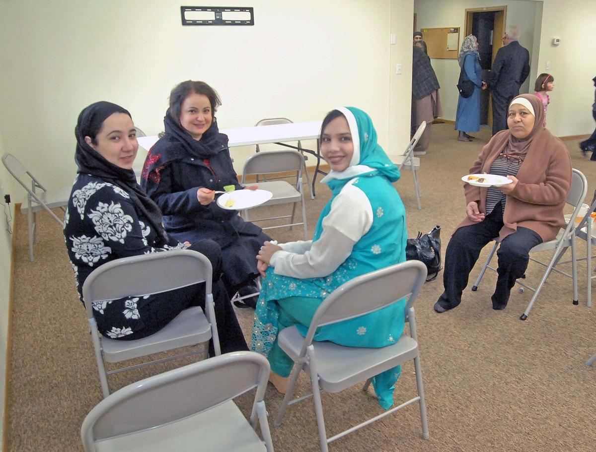 bismarck muslim In bismarck, one refugee resettlement office grapples with days and put a 90-day ban on immigration from seven majority muslim countries bismarck, north.
