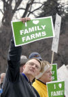 Farmers Union votes for referral of corporate farming law