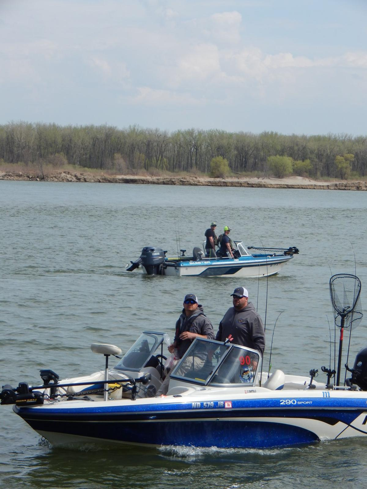 Big muddy walleye classic fishing tournament tribune for Big fish classic