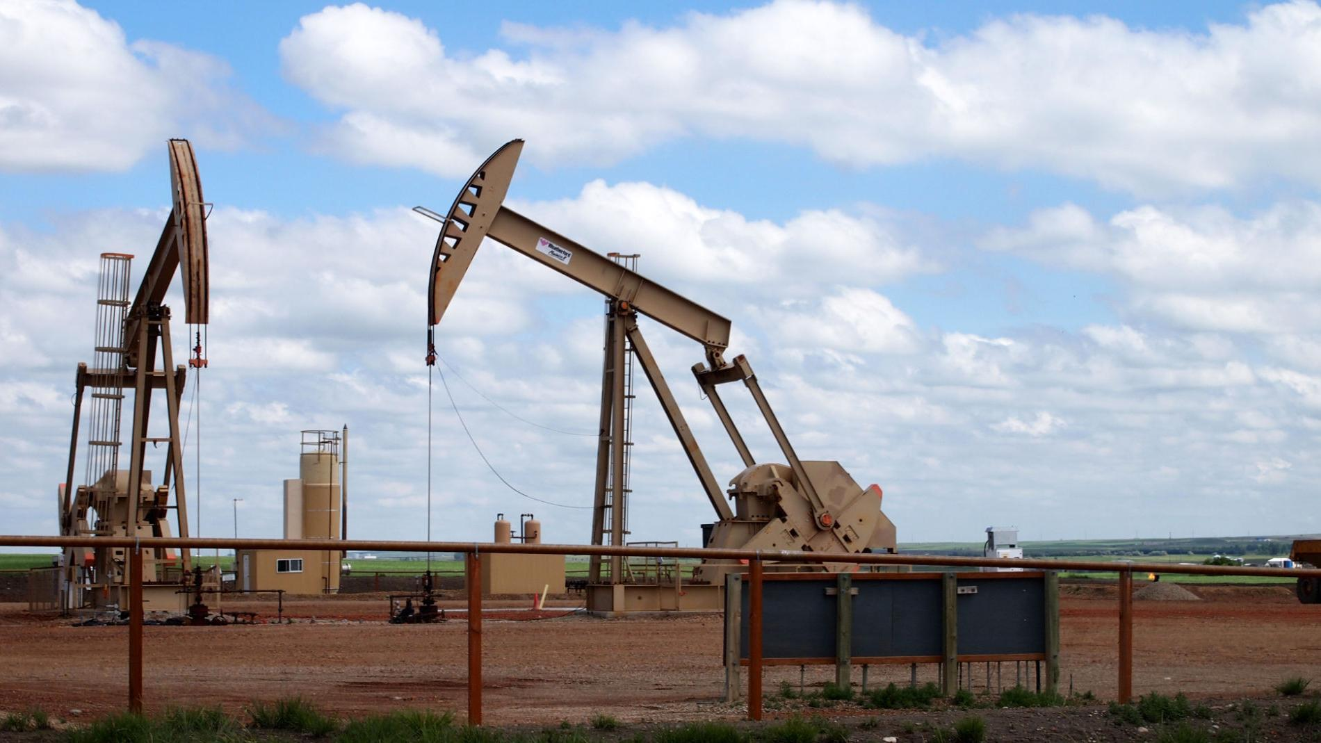 North Dakota oil production has largest drop ever in April | Bakken News | bismarcktribune.com