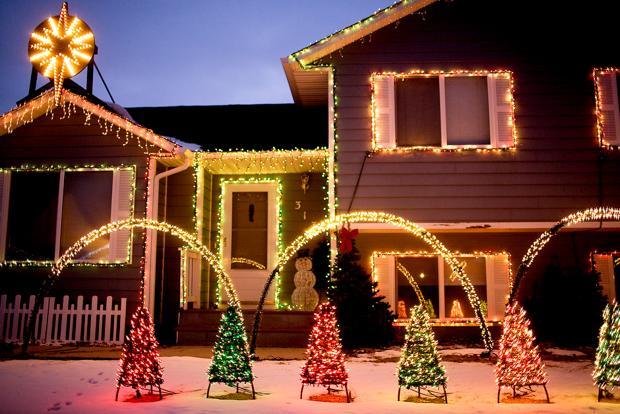 Christmas lights contest