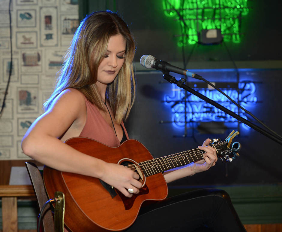 ayla brown performs at afterwords club news
