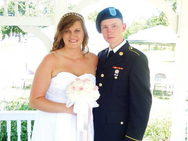 army brother surprises sister at wedding bryan times local