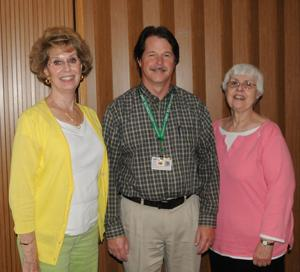 Todd Davis speaks at cancer support group