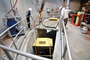 Navy divers carry out upgrades at Oahe Dam