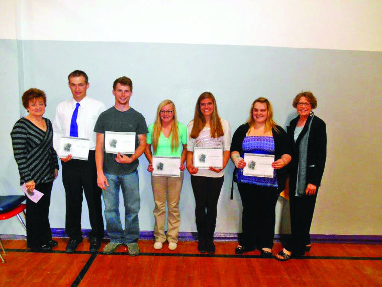 Kiwanis Club awards scholarships to Stanley County students