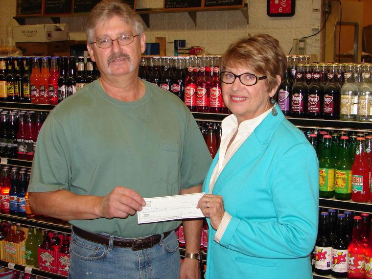 Korner Grocery helps United Way Campaign