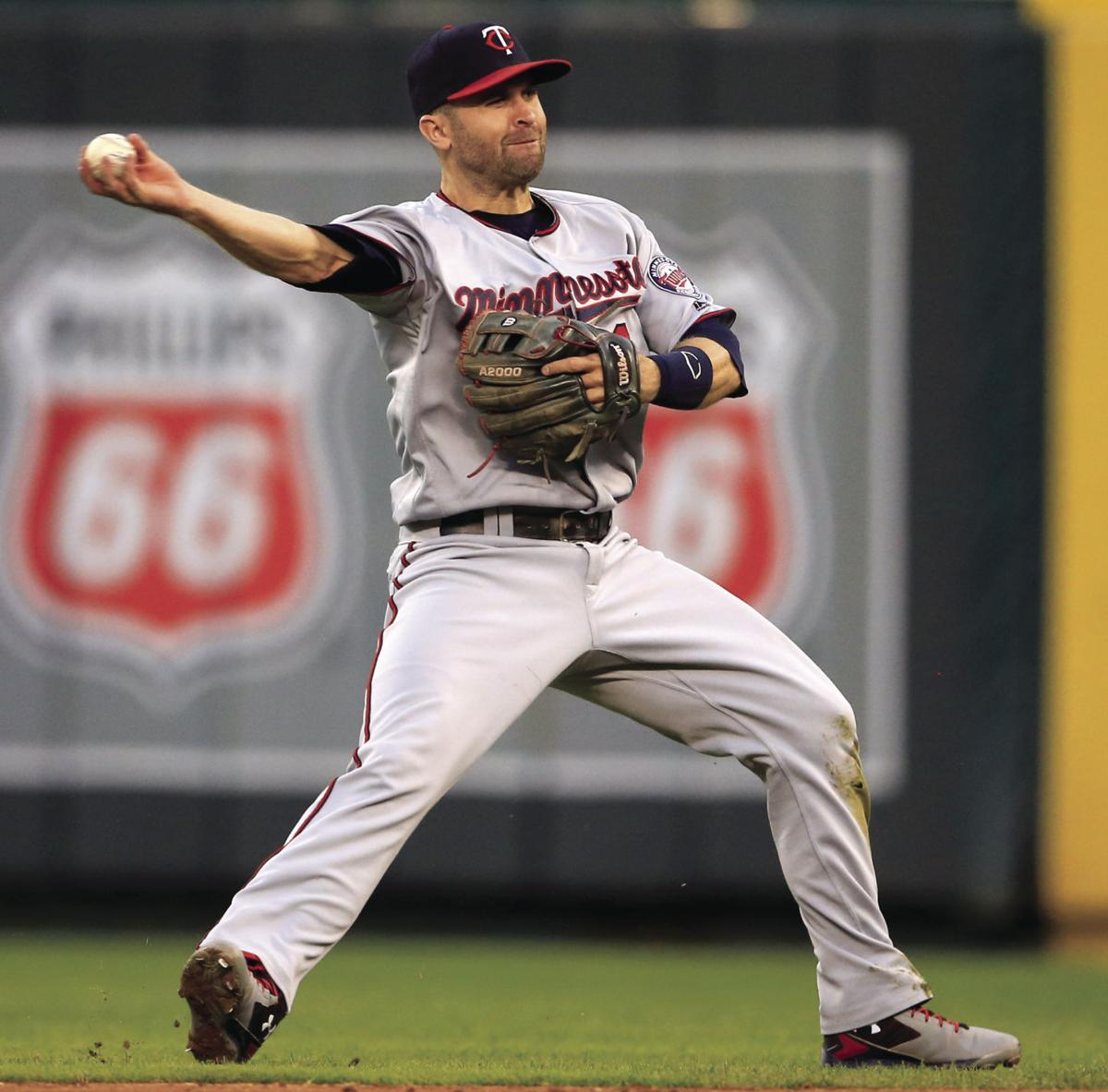 Brian Dozier Happy To Stay On Second With Twins