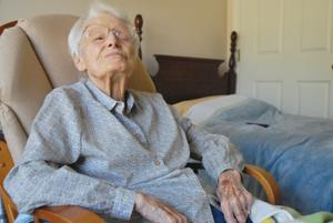 Lone holdout, 102, hangs on to apartment after closure