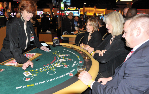 Hollywood casino table games