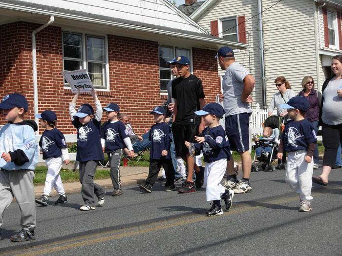 Little League Parade 08.jpg