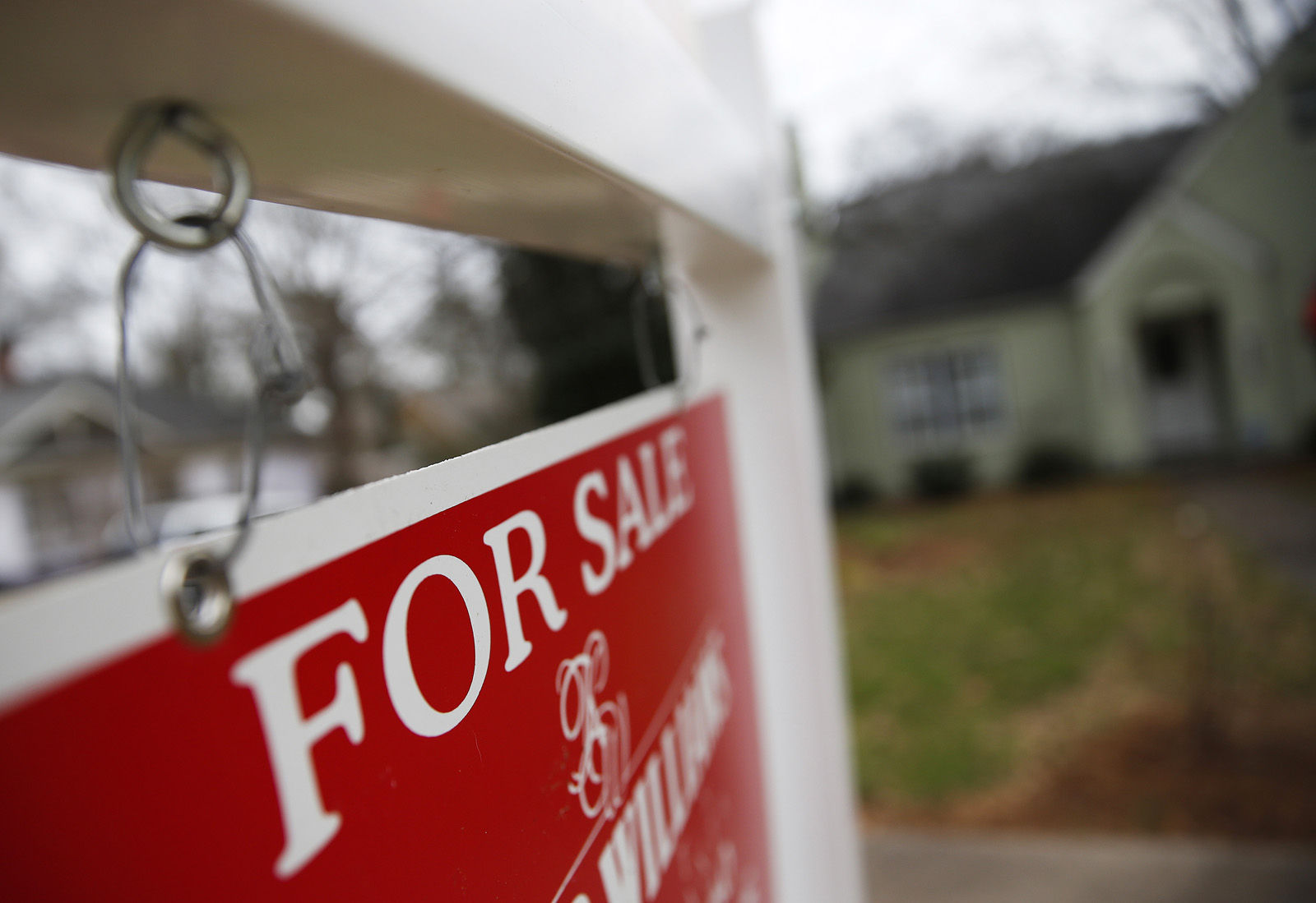 US home sales climbed in January despite weaker economy