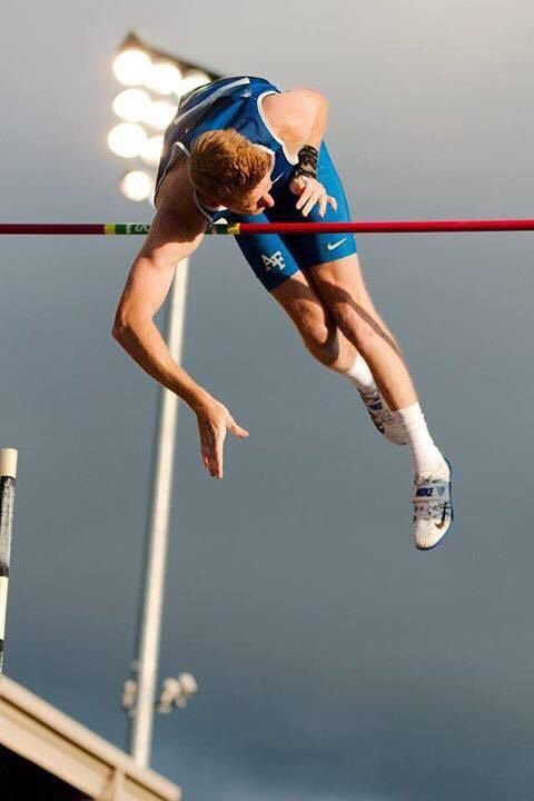 Dylan Bell Finishes Sixth In Ncaa Pole Vault Local News