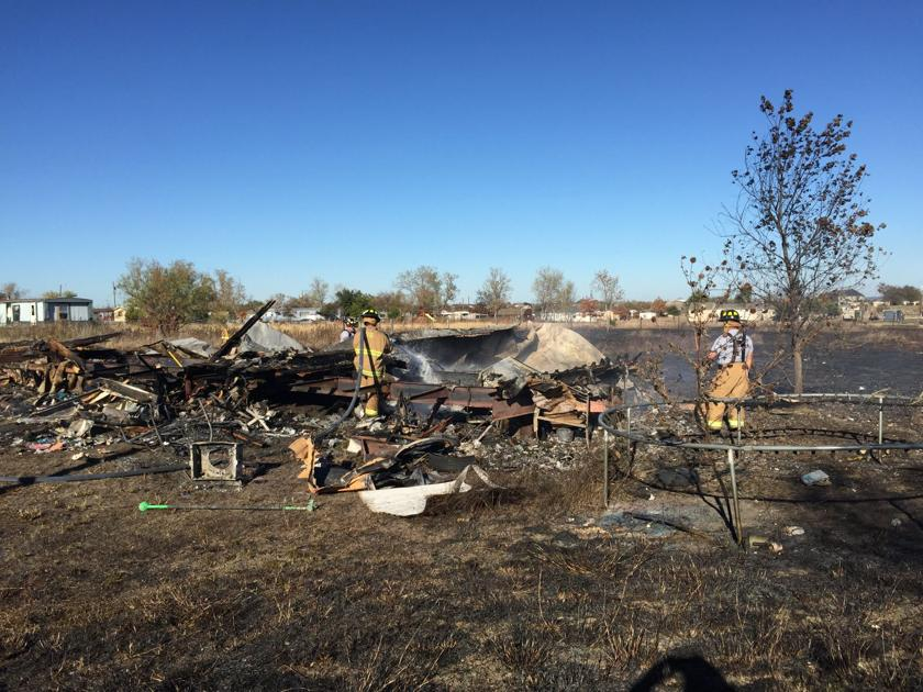 Arson suspected in fire that burned several homes near Venus   Local News   cleburnetimesreview.com