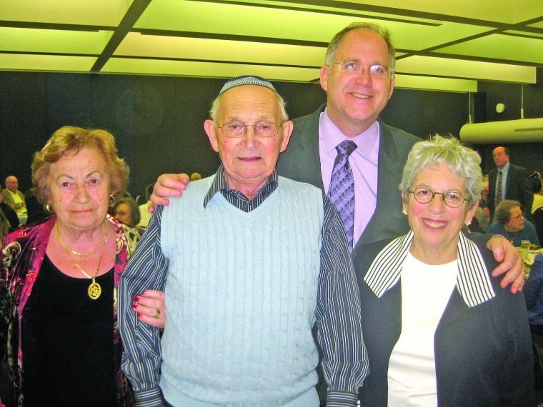 Sharlotta Zeigerman, Jonathan Roth, Rabbi Stephen Weiss, Alice Roth