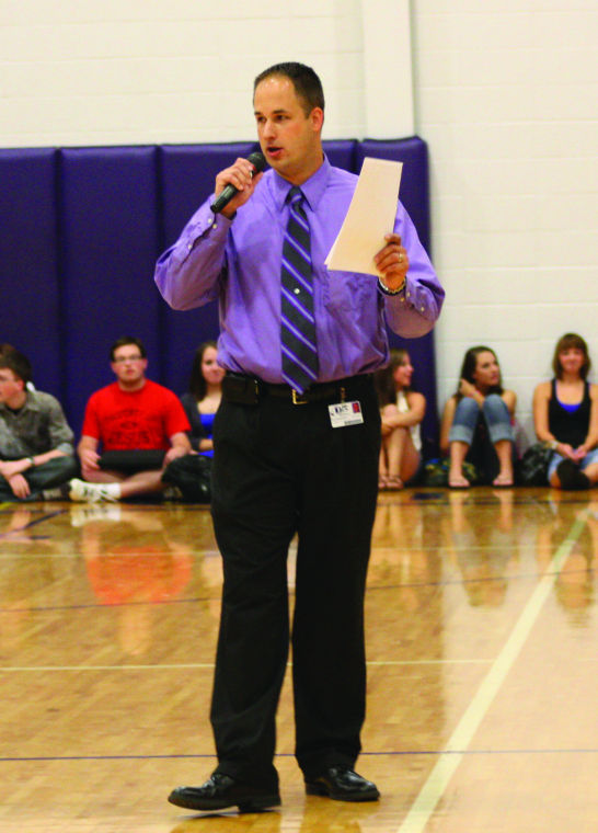 the story of oelwein Following an email to staff this morning, oelwein community schools superintendent josh ehn releases a statement to kwwl regarding a threat of violence to the high school.