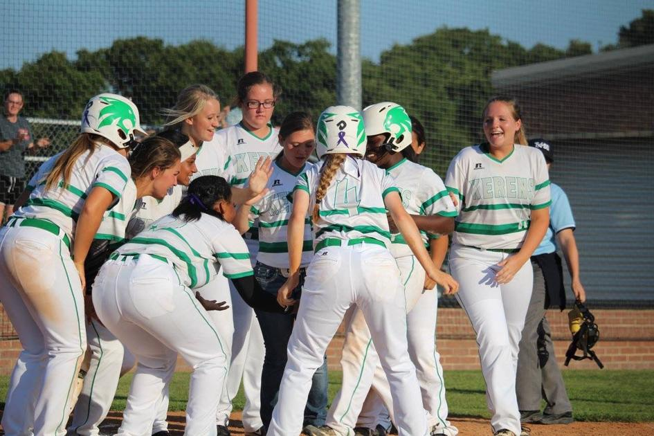 GC Softball: Kerens has wild game against Cayuga before heading to playoffs