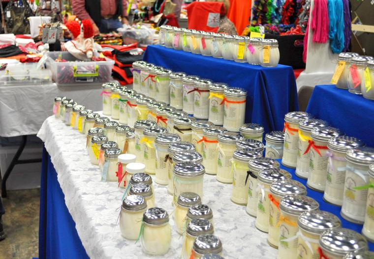 Vinemont band boosters craft show starts today the for Cullman civic center craft show