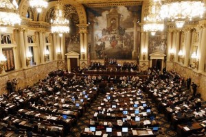 State lawmakers to face bill banning gift-taking