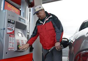 Lower gas prices a long-term trend, analyst says