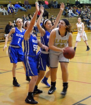 Lady Cats vs Valle Gallery
