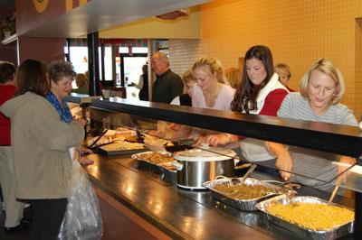 Restaurant Continues Christmas Tradition Daily Journal