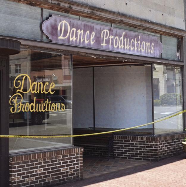 dance studio v public high school Follow your passion to one of these dance studios in philadelphia because this dance studio has a no-men-allowed policy cbs television public file cbs radio public file 2018 cbs broadcasting inc.