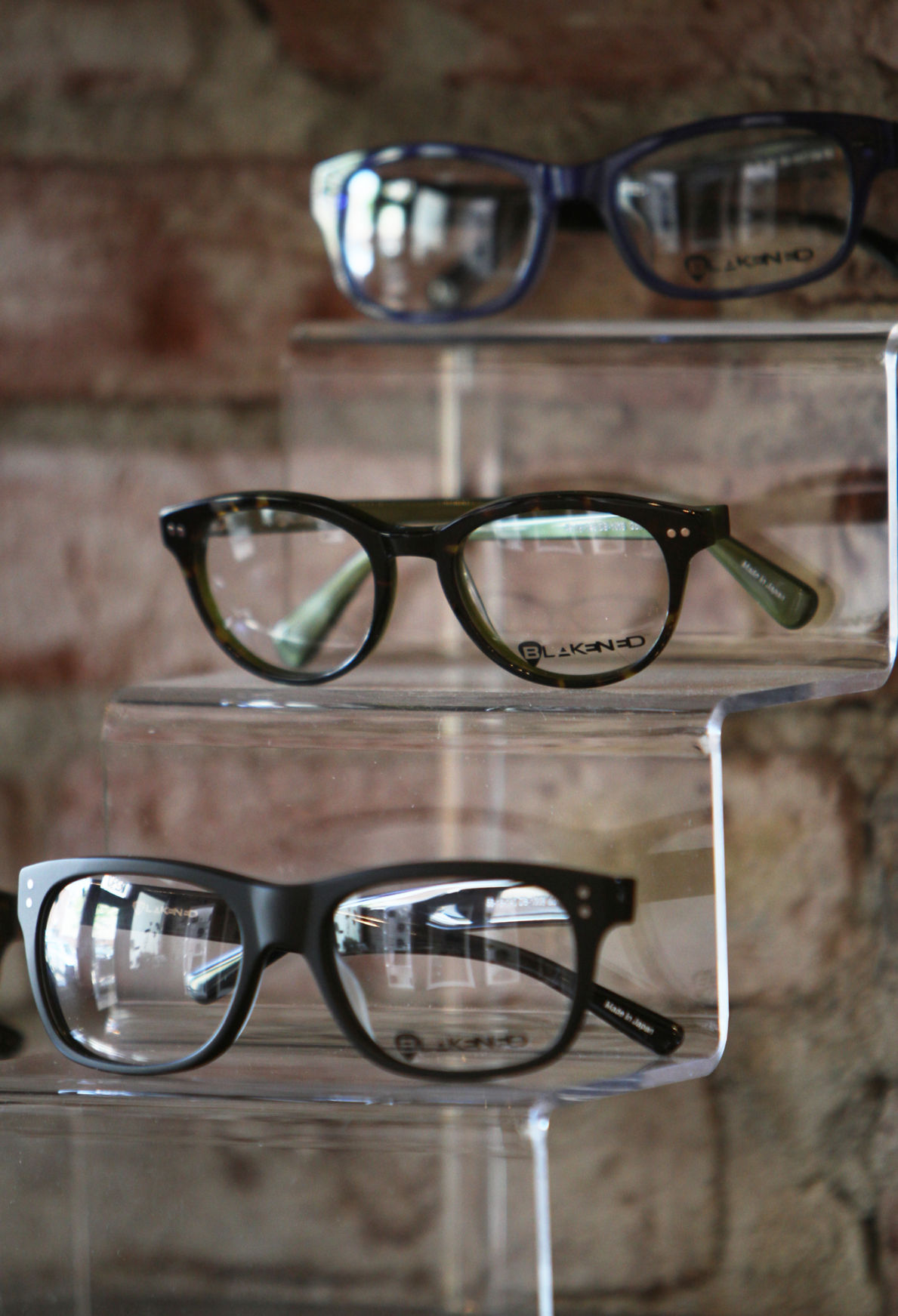 pearl optical meets eye and fashion needs