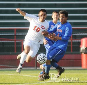 dhs v nwhs boys soccer1.jpg