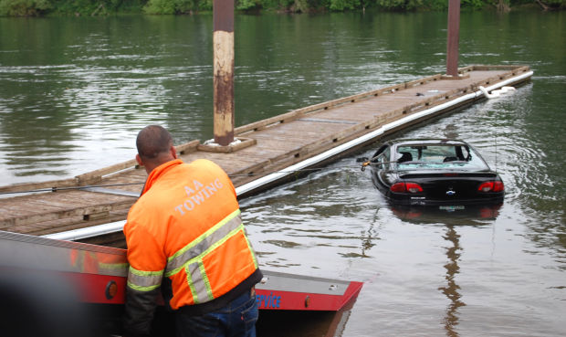 Cars Found Underwater : Car found underwater at albany s bowman park