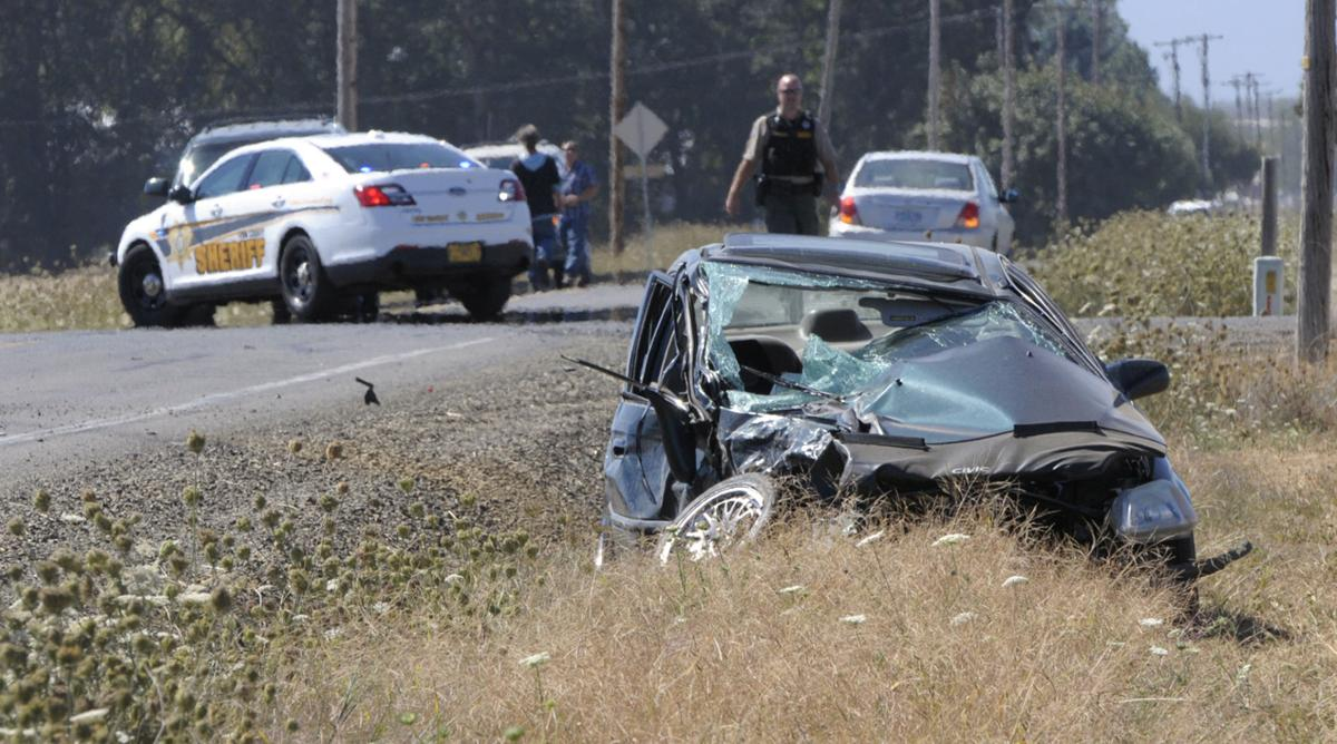 One dead in 2 car crash near halsey local for Nearest department of motor vehicles