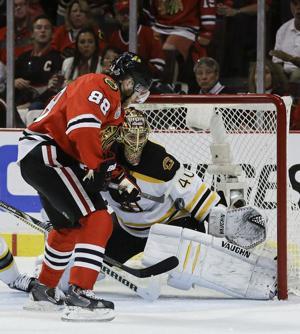 APTOPIX Stanley Cup Bruins Blackhawks Hockey-3