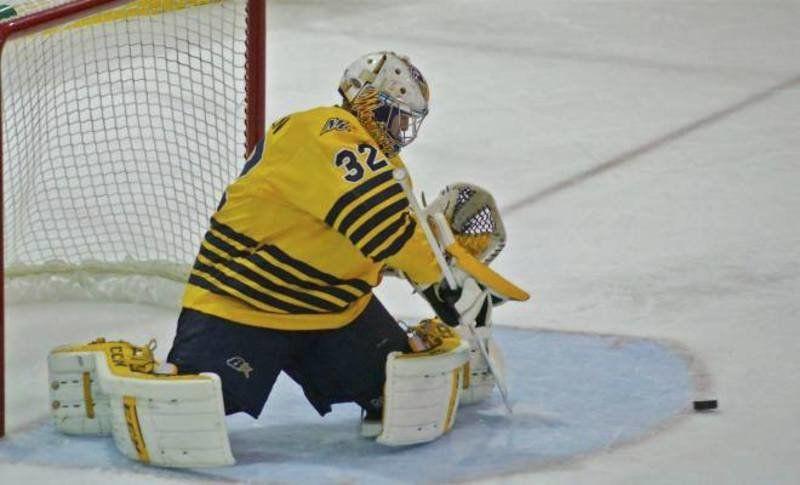 Hockey East: Merrimack's Red-hot Goalie Named 'Goalie Of The Month'