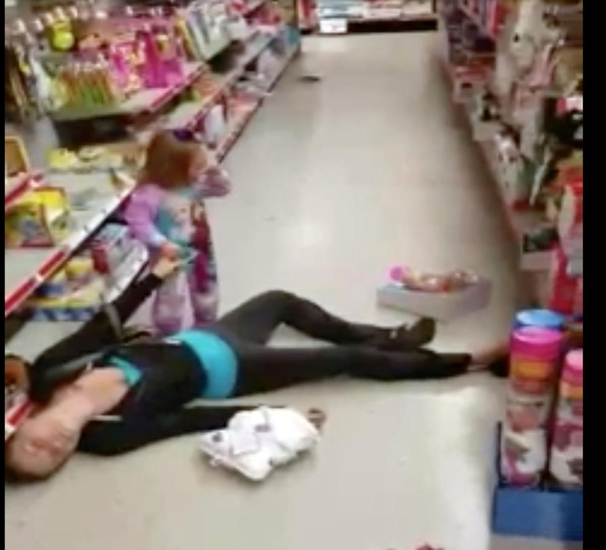 A Tot S Anguish Video Captures Mom S Apparent Overdose At