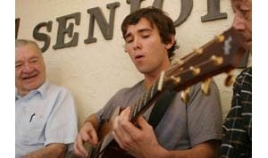 Scottsdale guitarist rebounds from illness