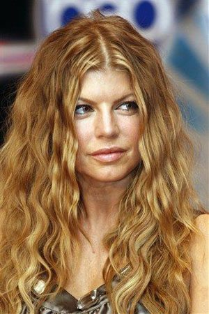 Concert canceled after Fergie falls ill
