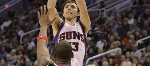 Nash, Stoudemire lead Suns past Milwaukee