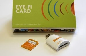 Eye-Fi memory card avoids cable snarl