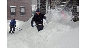 Blizzard slows Northeast travel to crawl