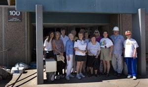 Former Saguaro teachers bid farewell to building 100