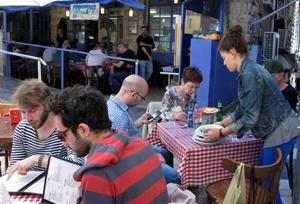 Mideast Israel Go for the Food Jerusalem