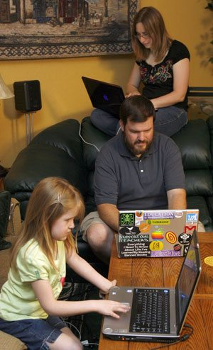 Forum to help parents keep kids safe online