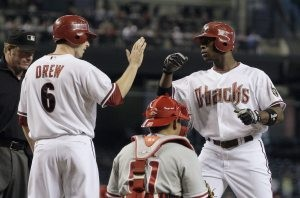 Petit, Diamondbacks blank Phillies