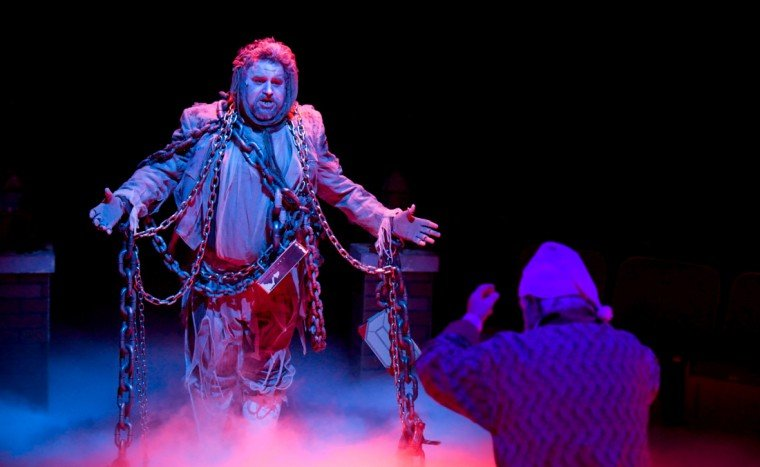 Gary Caswell (Marley), Dorman Smith (Scrooge)