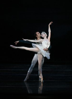 Free ballet show blends classy, casual