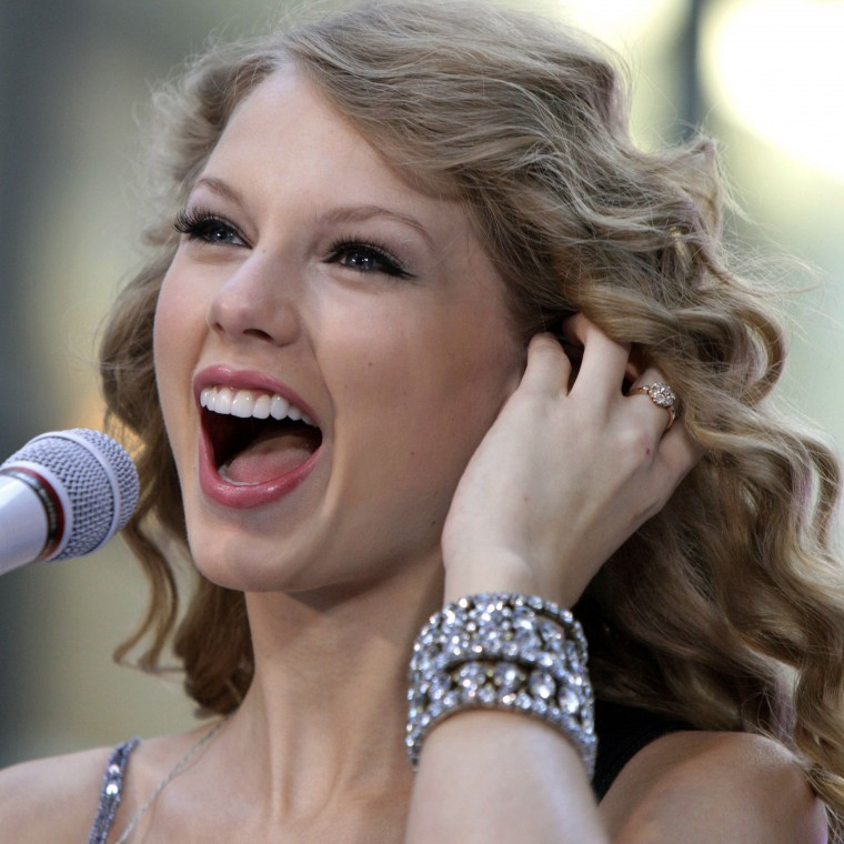 Taylor Swift, courtesy AP Photo