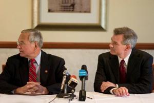 Earmarks, bailout separate U.S. House hopefuls