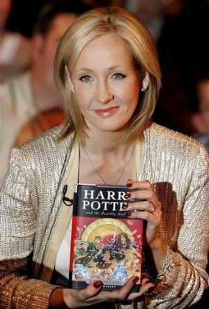 Harry Potter author goes to court