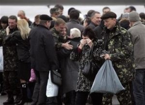 Hijacked ship crew welcomed home in Ukraine
