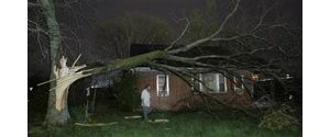 Tornadoes sweep through Tennessee, kill 11